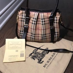Burberry Purse 100% AUTHENTIC